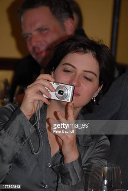 """Esther Zimmering, Party zum 70. Geburtstag von Heide Keller, neben den Dreharbeiten zur ZDF-Reihe """"Traumschiff"""", Folge 62 """"Indian Summer"""", Restaurant..."""