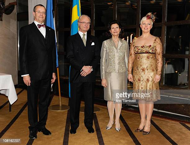 Estonian President Toomas Hendrik Ilves King Carl XVI Gustaf of Sweden Queen Silvia of Sweden and Estonian First Lady Evelin Ilves attend a reception...