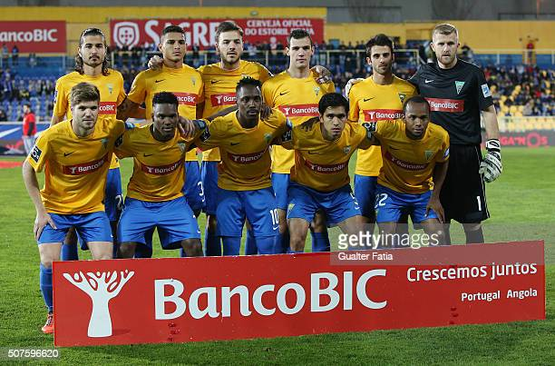 Estoril Praia's players pose for a team photo before the start of the Primeira Liga match between GD Estoril Praia and FC Porto at Estadio Antonio...