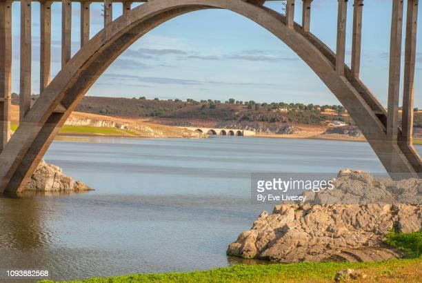 estrella bridge arch - arco característica arquitectónica fotografías e imágenes de stock