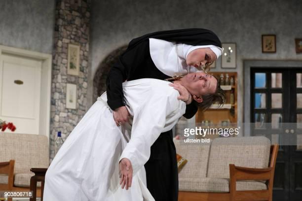 Et hätt noch immer jot jejange Schwank in zwei Akten von Barbara Schöller und Peter Millowitsch gastiert vom 13 Oktober 2016 bis 26 März 2017 in der...