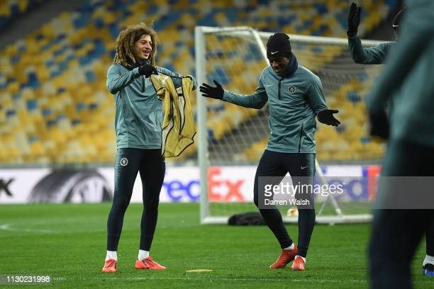 Ethan Ampadu and Callum HudsonOdoi of Chelsea during a training session at Valeriy Lobanovskyy Stadium on March 13 2019 in Kiev Ukraine