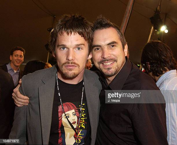 Ethan Hawke Alfonso Cuaron during The 17th Annual IFP/West Independent Spirit Awards Audience at Santa Monica Beach in Santa Monica California United...