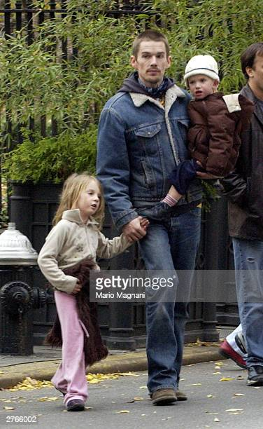 Ethan Hawke enjoys Thanksgiving with his kids Maya and Roan in Gramercy Park November 27 2003 in New York City