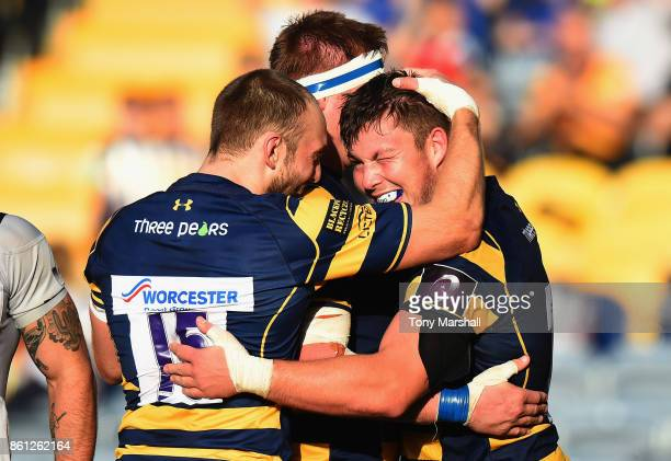 Ethan Waller of Worcester Warriors celebrates scoring a try during the European Rugby Challenge Cup match between Worcester Warriors and Brive at...