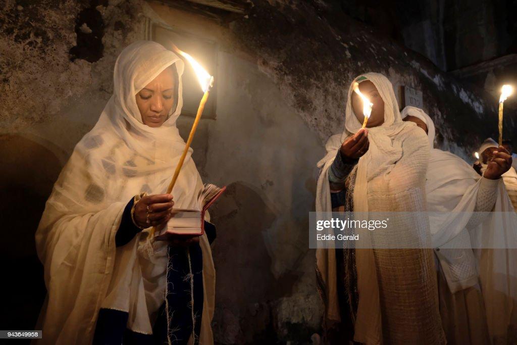 Ethiopian Orthodox Christians celebrate Holy Fire in Jerusalem : Stock Photo