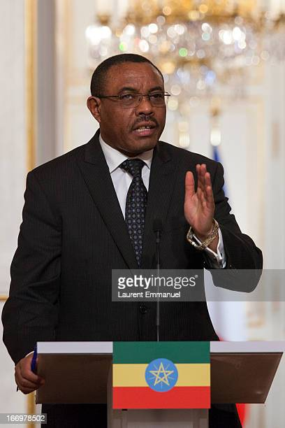 Ethiopian Prime Minister Hailemariam Desalegn addresses reporters during a joint press conference following his meeting with French President...