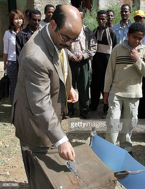 Ethiopian Prime Minister Meles Zenawi casts his vote 15 May 2005 in the general elections in his native village of Adwa in the northern province of...