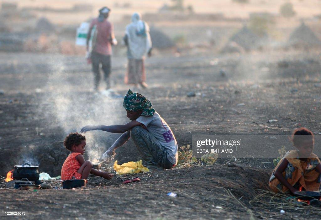 TOPSHOT-SUDAN-ETHIOPIA-CONFLICT-REFUGEES : News Photo