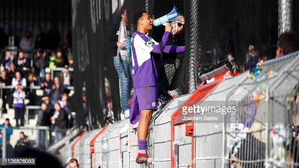 Etienne Amenyido of Osnabrueck after the 3 Liga match between VfL Osnabrueck and Hallescher FC at Stadion an der Bremer Brücke on February 23 2019 in...