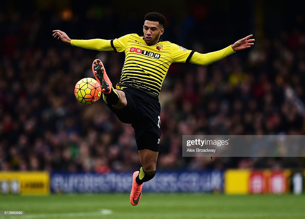 Etienne Capoue of Watford controls the ball during the Barclays Premier League match between Watford and A.F.C. Bournemouth at Vicarage Road on February 27, 2016 in Watford, England.