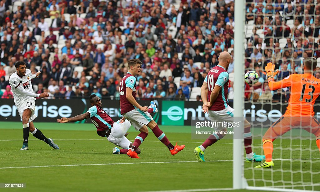 Etienne Capoue of Watford scores his sides third goal during the Premier League match between West Ham United and Watford at Olympic Stadium on September 10, 2016 in London, England.