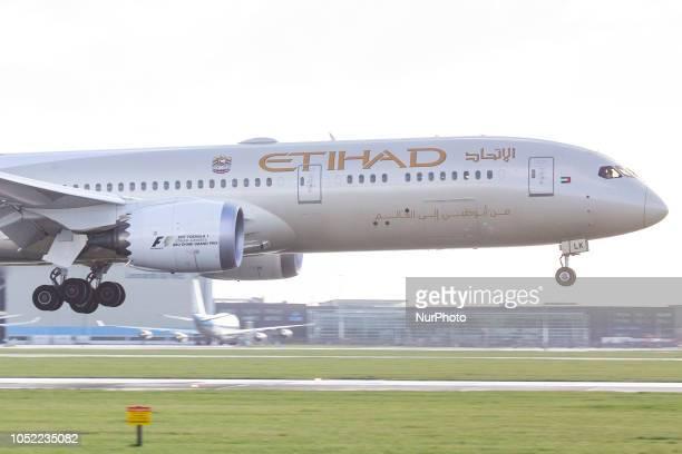 Etihad Airways Boeing 7879 Dreamliner landing at Amsterdam Schiphol International Airport in Runway 27 during a rainy day Etihad Airways connects Abu...
