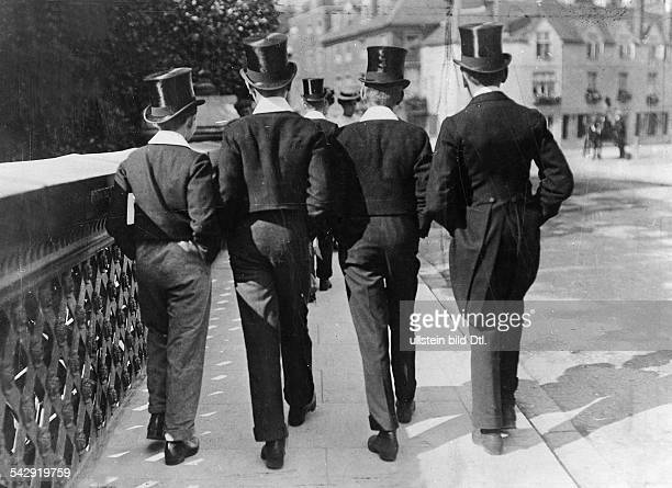 Eton pupils Pupils from Eton College 1906 Vintage property of ullstein bild