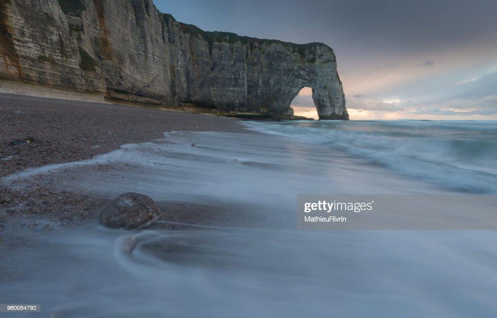 Etretat and the beautiful cliffs : Stock-Foto