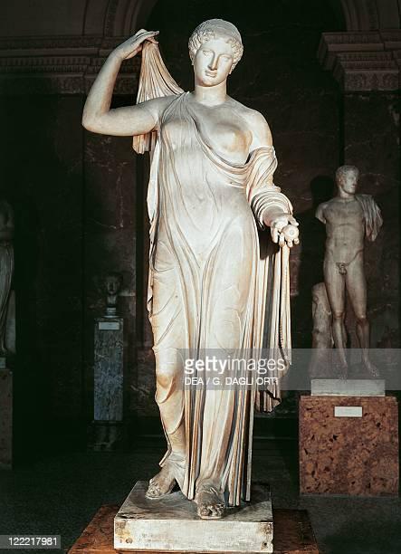 Etruscan civilization 5th century bC Statue of Aphrodite or Venus Genetrix copy of a Greek original attributed to Callimachus