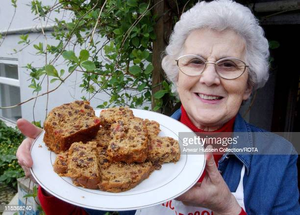 Etta Richardson in Llansteffan, with the type of cake that is going to baked for the upcoming Royal Wedding. A grandmother who impressed the Prince...