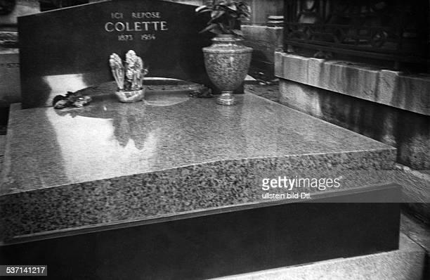 ette Sidonie Gabrielle Schriftstellerin F Grabmal auf dem Friedhof Pere Lachaise in Paris 1958