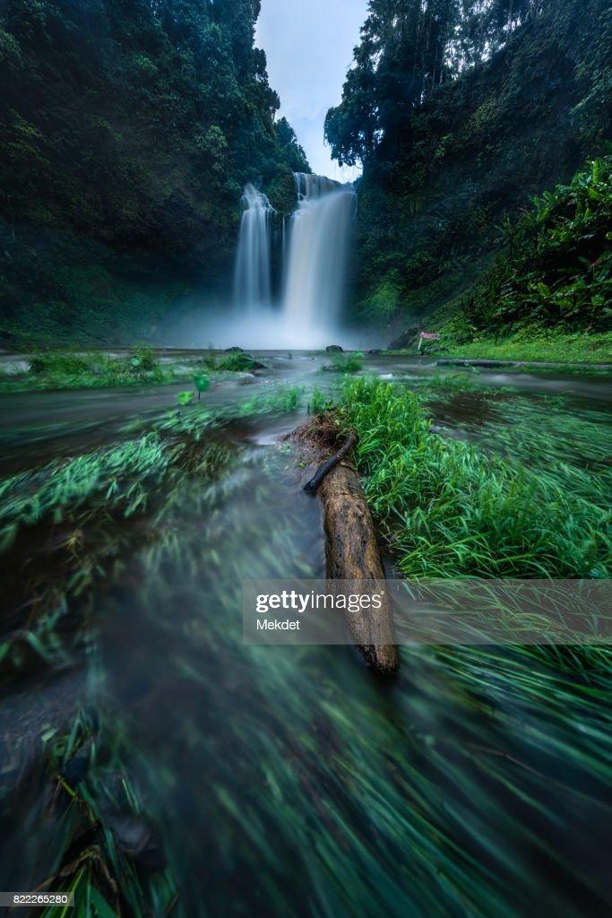 E-Tu waterfall, Bolaven Plateau, Champasak province, Laos : Stock Photo