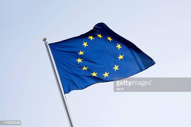 eu-Flagge gegen Himmel