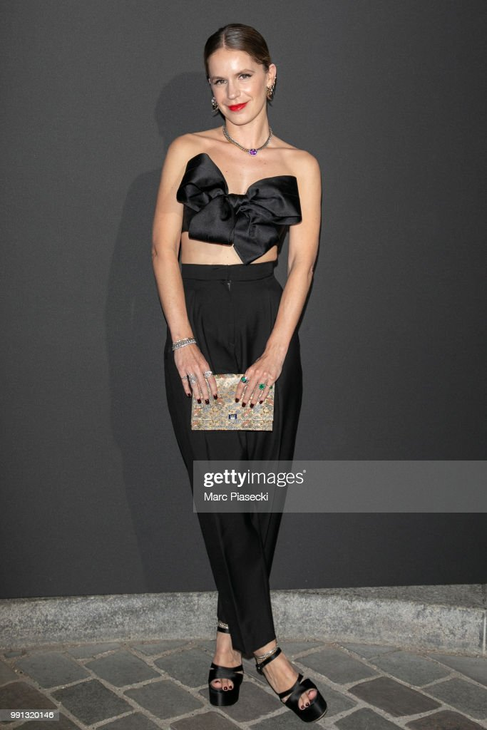 eugenie-niarchos-attends-the-vogue-foundation-dinner-photocall-as-of-picture-id991320146