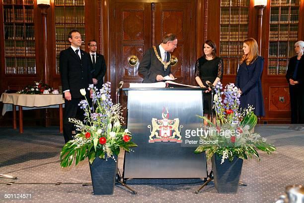 Eugenie Victoria Helena MountbattenWindsor Prinzessin von Großbritannien und Nordirland Schwester Beatrice Elizabeth Mary MountbattenWindsor...