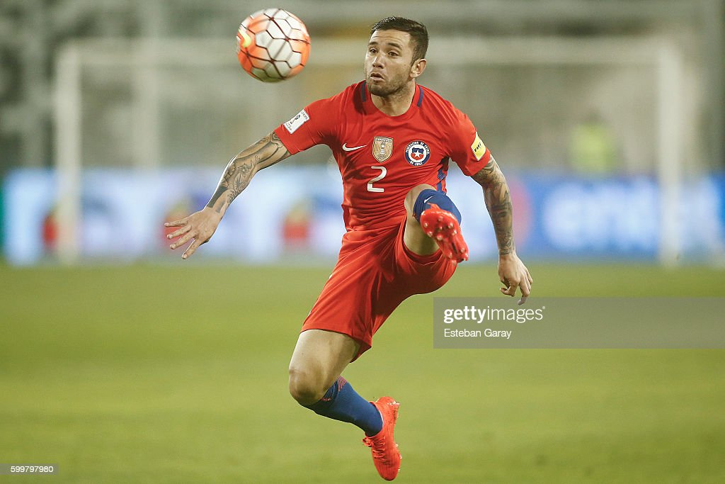File:Eugenio Mena - Spain vs. Chile, 10th September 2013 (cropped ...