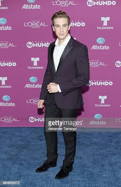 Eugenio Siller arrives at Telemundo's 'Premios Tu Mundo Awards' at American Airlines Arena on August 20 2015 in Miami Florida