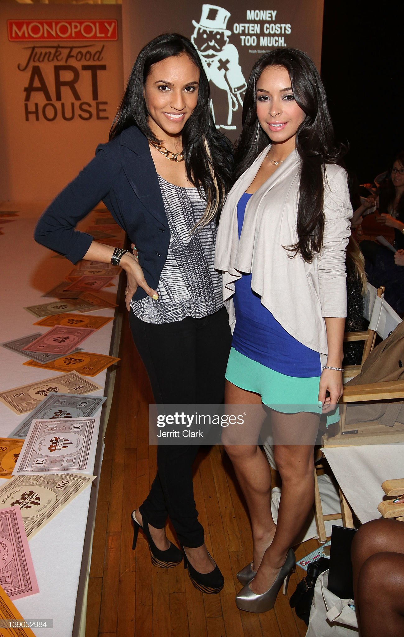 ¿Cuánto mide Jessica Caban? - Real height Eunice-quinones-and-jessica-caban-attend-the-monopoly-by-junk-food-picture-id139052984?s=2048x2048