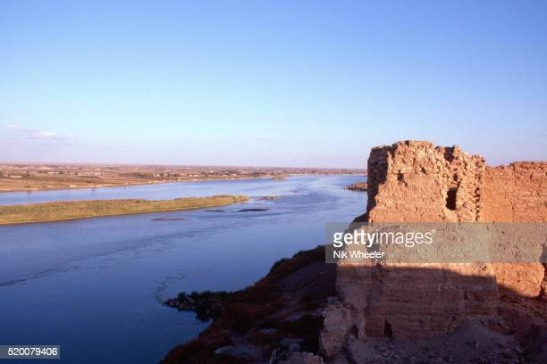euphrates river from doura europos - euphrates river stock pictures, royalty-free photos & images