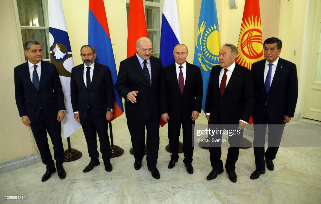 Russian President Vladimir Putin attends the CIS Summit and Supreme Eurasian Economic Council in Saint Petersburg : News Photo