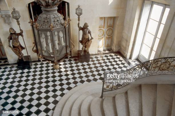 the castle of Anet The inside of the castle's west wing the grand staircase Built between 1680 and 1712 the grand staircase is one of the many...