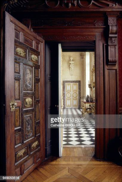the castle of Anet The inside of the castle's west wing the door of the Gardes room The four tapestries recount Diane de Poitiers' history EureetLoir...