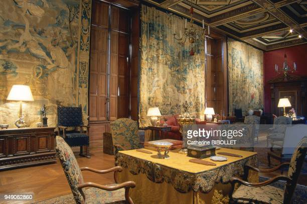 the castle of Anet The inside of the castle's west wing the Gardes room The four tapestries recount Diane de Poitiers' history EureetLoir le château...
