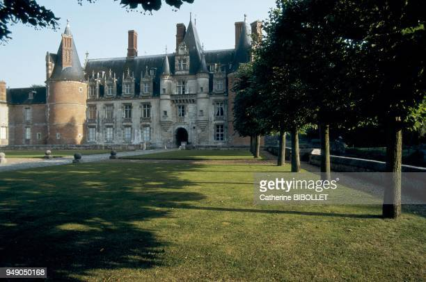 the castle of Maintenon Offered by Louis XIV in 1674 to his mistress Françoise d'Aubigné the estate of Maintenon is the successful synthesis of a...