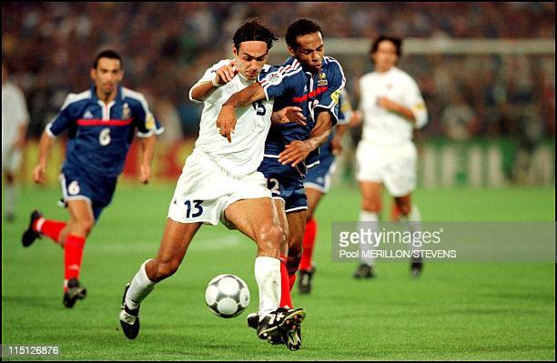 Euro 2000 final France Italy 2 1 in Rotterdam Netherlands on July 02 2000 Thierry Henry and Alessandro Nesta