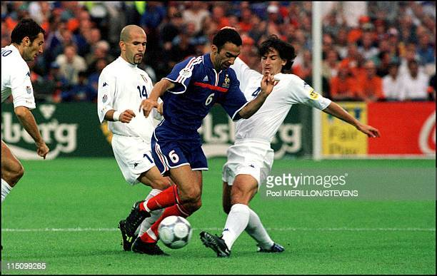 Euro 2000 France defeats Italy 2 1 in Rotterdam Netherlands on July 02 2000 Djorkaeff