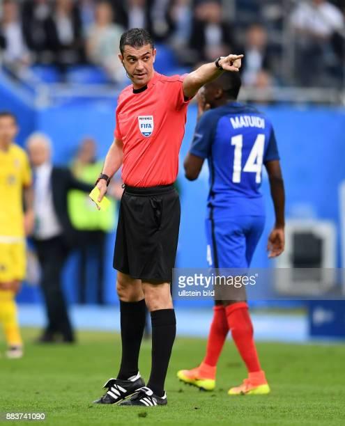 FUSSBALL Euro 2016 EROEFFNUNGSSPIEL Frankreich Rumaenien Schiedsrichter Victor Kassai