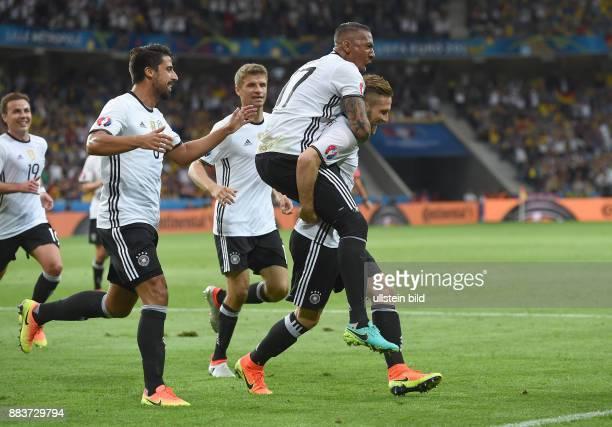 FUSSBALL Euro 2016 GRUPPE C in LILE Deutschland Ukraine 0 Mario Goetze Sami Khedira Thomas Mueller Jerome Boateng Torschuetze Shkodran Mustafi