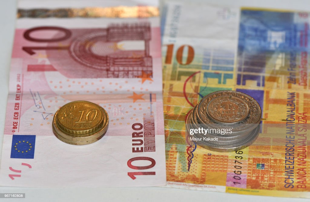 Euro and Swiss Franc Currency Notes and Coins : ストックフォト