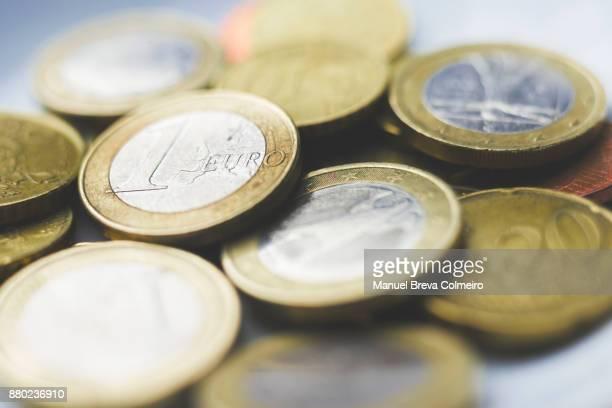 euro coins - kapitalismus stock-fotos und bilder