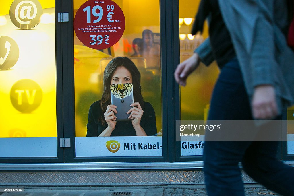 A euro currency price sign sits on a mobile phone package