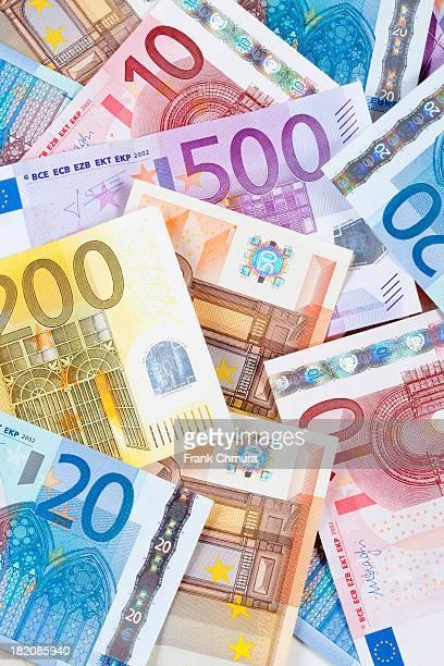euro - eu banknotes. - billete de banco de quinientos euros fotografías e imágenes de stock