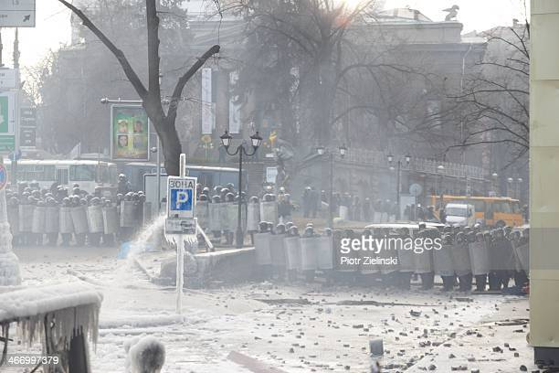 scenes from the Ukraine protests Kiev Dynamo stadium Hrushevski street 20 Jan 2014