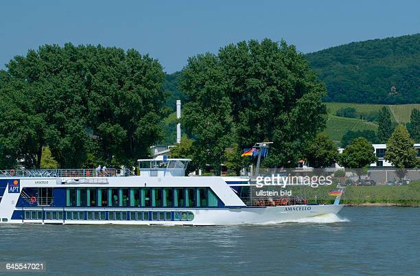Europa Deutschland NordrheinWestfalen Passagierschiff Amacelloflussaufwärts Höhe Seibengebirge
