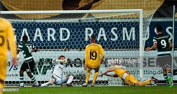 Europa League Playoff AC Horsens vs Sporting Portugal Lissabon Carrilo Andre Sporting Clube de Portugal making 11 goal against Keeper Frederik Rønnow...