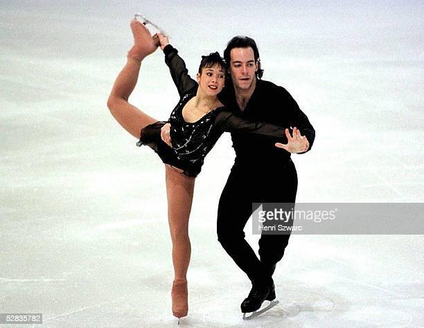 EISKUNSTLAUF Europameisterschaft in Paris/Paare Kurzprogramm 21197 Sarah ABITBOL/Stephane BERNADIS FRA