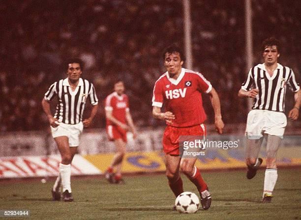 FUSSBALL Europapokal der Landesmeister 1983 HAMBURGER SV TURIN Athen 5/83 Felix MAGATH/HSV