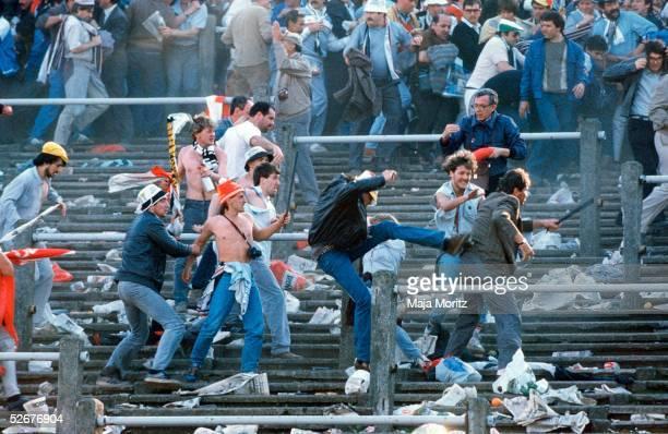 Europapokal der Landesmeister 84/85 Bruessel 290585 Juventus Turin FC Liverpool Tragoedie im Bruesseler Heysel Stadion