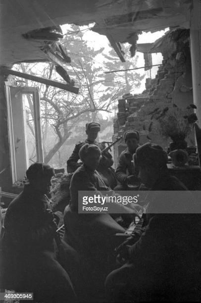 Soviet soldiers listening music Berlin 1945